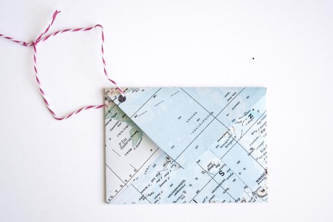 Upcycling-Idee: DIY Briefumschläge aus Landkarten